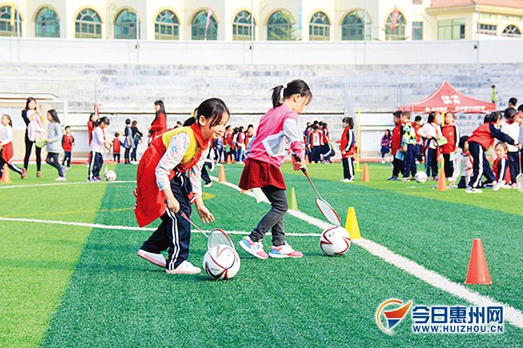 东时记者在各校与师生共同分享运动之乐时发现,中小学生的运动会项目图片